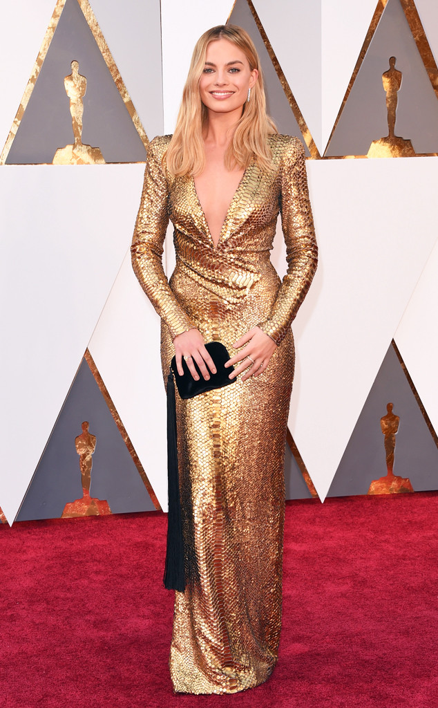 Margot-Robie-Look-Oscar.jpg